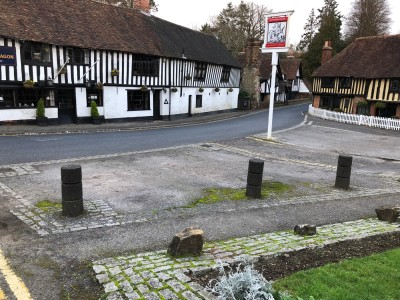 Lovely old pub in an historic village, Kent - Driving with Dogs