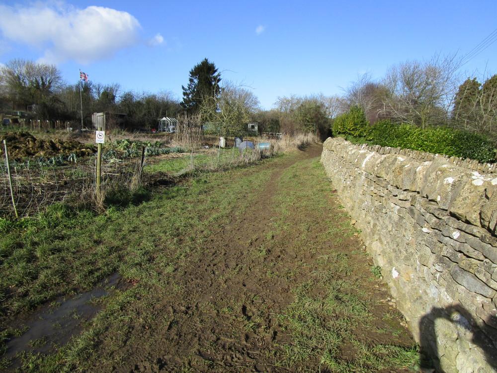 Cotswold dog-friendly village pub and dog walk, Gloucestershire - Dog walks in Gloucestershire