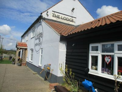 The Lodge dog-friendly stop near the A47, Norfolk - Driving with Dogs