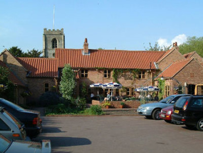 Dog-friendly pub and dog walk near Newark, Nottinghamshire - Driving with Dogs