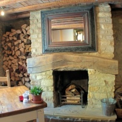 A361 dog-friendly pub near Lechlade, Gloucestershire - Driving with Dogs