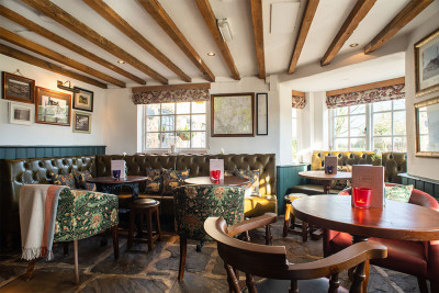 A22 dog-friendly country pub near Chartwell, Surrey - Driving with Dogs