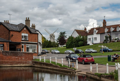 Very pretty village with pub and dog walk, Essex - Driving with Dogs
