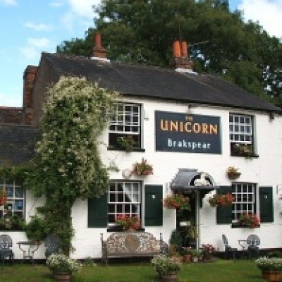 Kingwood dog-friendly pub and dog walk, Oxfordshire - Driving with Dogs