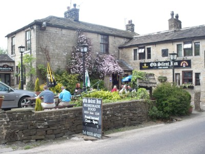 Old Silent Inn, dog-friendly inn near Haworth, West Yorkshire - Driving with Dogs