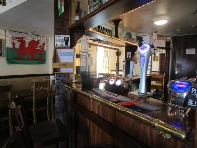 A487 hilltop dog-friendly inn near Fishguard, Wales - Driving with Dogs