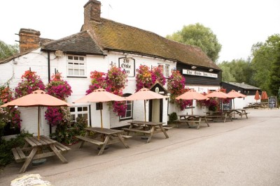 M1 Junction 13 Canalside dog walk with dog-friendly pub, Bedfordshire - Driving with Dogs