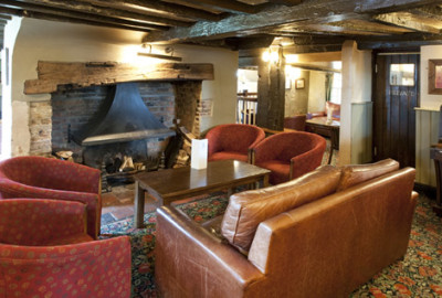 Pangbourne dog walk and dog-friendly pub, Berkshire - Driving with Dogs