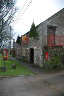 Traditional dog-friendly pub and dog walk, Derbyshire - Driving with Dogs