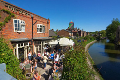 Berkhamsted dog-friendly pub, Hertfordshire - Driving with Dogs