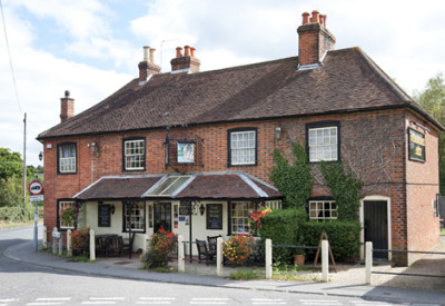 M27 Junction 9 dog-friendly pub and dog walk near Fareham, Hampshire - Driving with Dogs