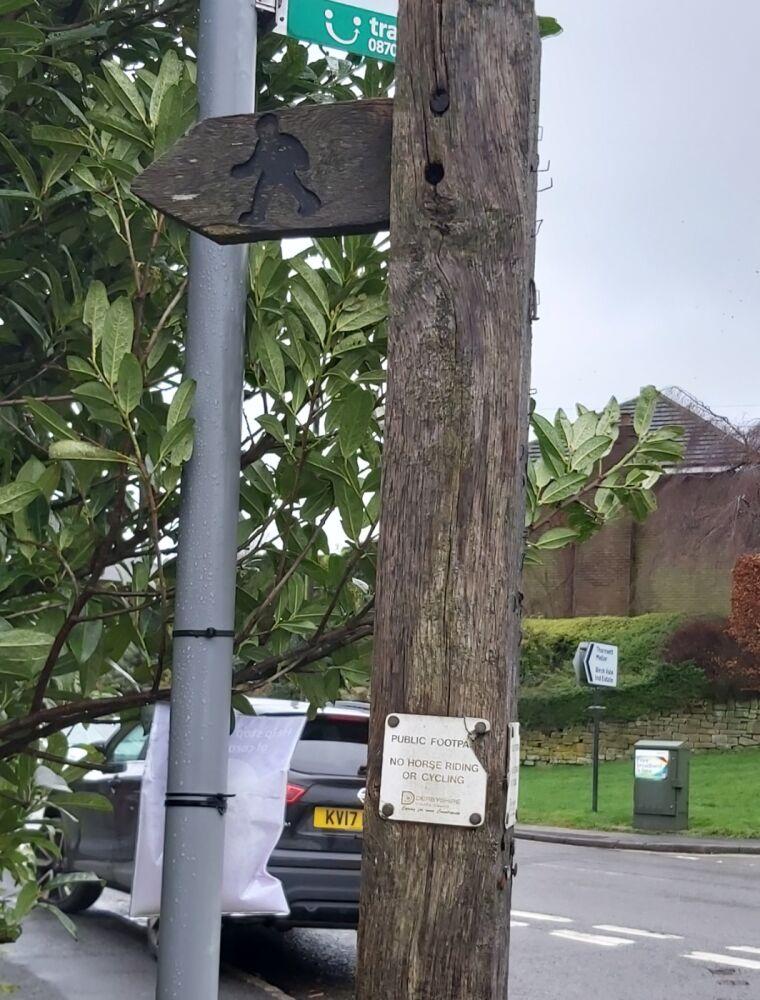 Sett Valley Trail and Moorland Road dog walk, Derbyshire - 3. Footpath A6015 to Moorland.jpg