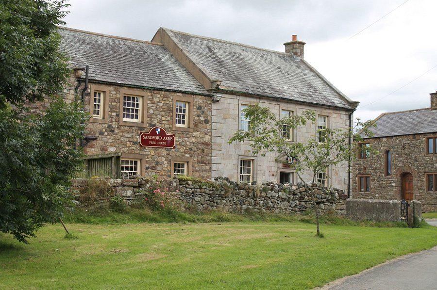 A66 Rural inn with dog-friendly B&B near Appleby, Cumbria - Cumbria dog-friendly pub and dog walk
