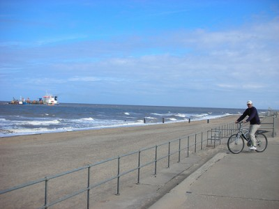 Sandilands dog-friendly beach, Lincolnshire - Driving with Dogs