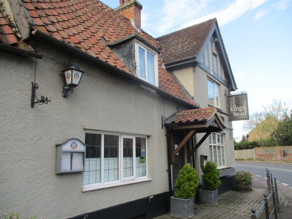 A12 dog-friendly pub and dog walk near Yoxford, Suffolk - Suffolk dog-friendly pubs with dog walks