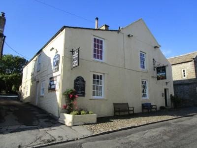 Ghostly dog walk and dog-friendly pub, North Yorkshire - Driving with Dogs