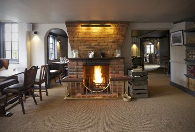A34 dog-friendly pub and dog walk near Andover, Hampshire - Driving with Dogs