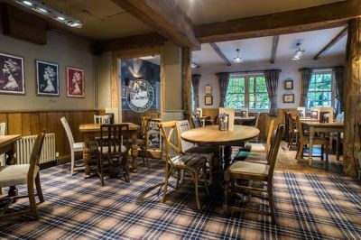 Southampton dog walk and dog-friendly pub A33, Hampshire - Driving with Dogs
