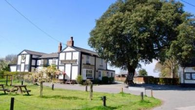Norley dog-friendly pub, Cheshire - Driving with Dogs