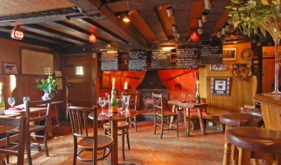 A265 Dog walk and dog-friendly pub, East Sussex - Driving with Dogs