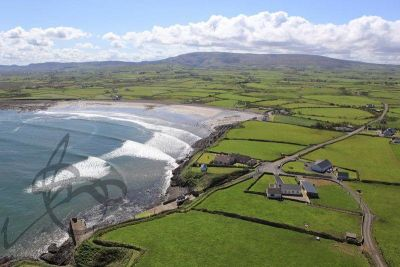 Beachside dog-friendly cafe, beach and camping, RoI - Driving with Dogs