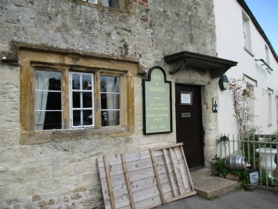 A37 Lankham Bottom dog walk and pub, Dorset - Driving with Dogs