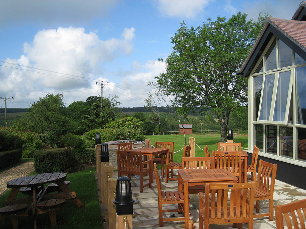 A375 Nature reserve walk and a dog-friendly pub near Honiton, Devon - Devon dog-friendly pub and dog walk