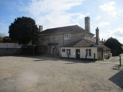 Country pub with a short dog walk from the door, Norfolk - Driving with Dogs