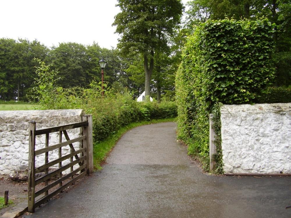 M4 junction 33 heritage dog walk near Cardiff, Wales - Dog walks in Wales