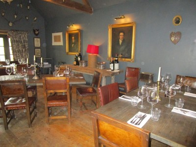A429 dog-friendly pub and dog walk, Gloucestershire - Driving with Dogs