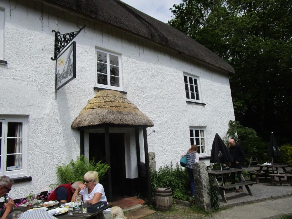 A382 Village pub and dog walk, Devon - Devon dog walk and dog-friendly pub.JPG
