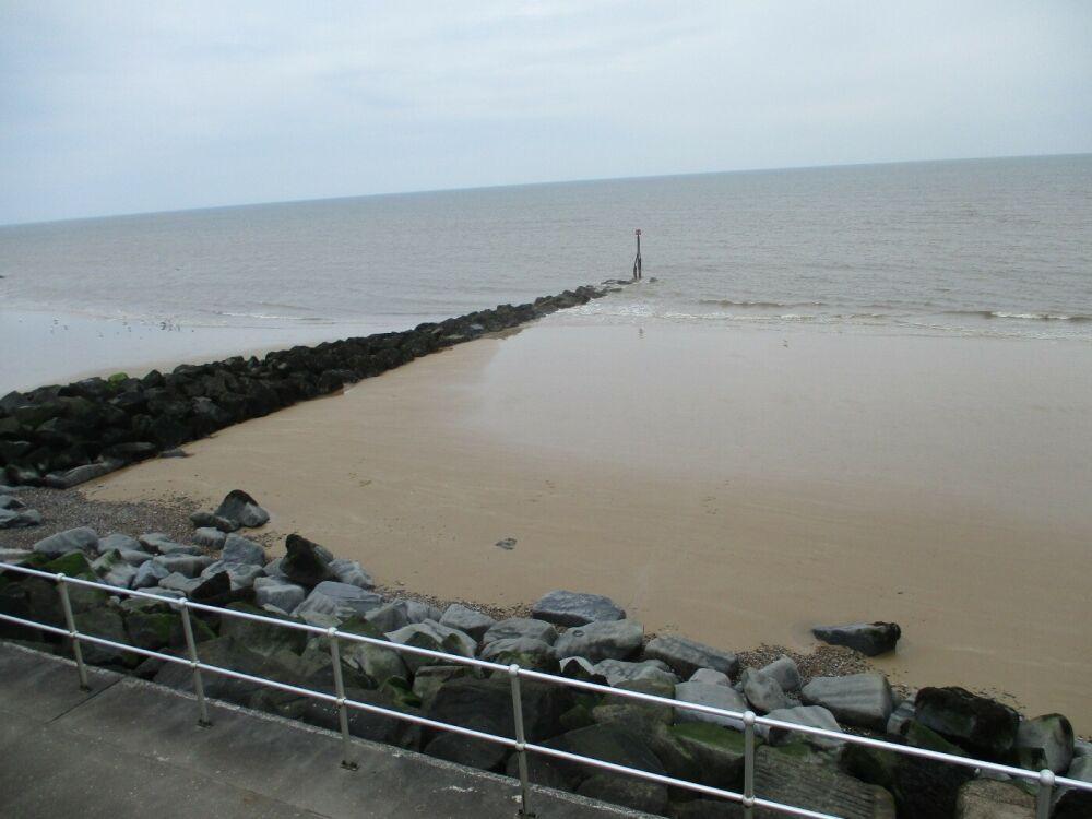 Seaside dog-friendly B&B, walk and shops by the beach near Cromer, Norfolk - Norfolk seaside dog-friendly pub and B&B