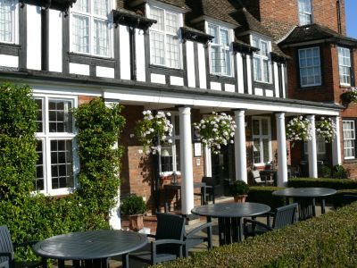 Dog-friendly B&B, meals and dog walk near the A1 by Huntingdon, Cambridgeshire - Driving with Dogs