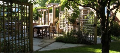 A404 dog friendly pub and dog walk near Marlow, Berkshire - Driving with Dogs