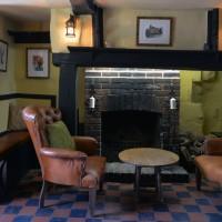 A taste of history near Aylesbury, Buckinghamshire - Buckinghamshire dog friendly pub and dog walk