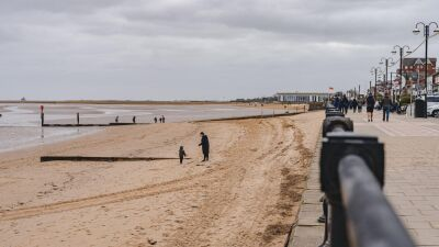 Cleethorpes Dog Friendly beach, North East Lincolnshire - Driving with Dogs