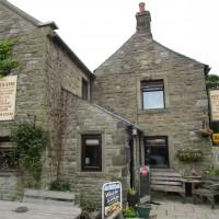 Dark Peak dog-friendly pub and dog walk, Derbyshire - Peak District dog-friendly pub and dog walk