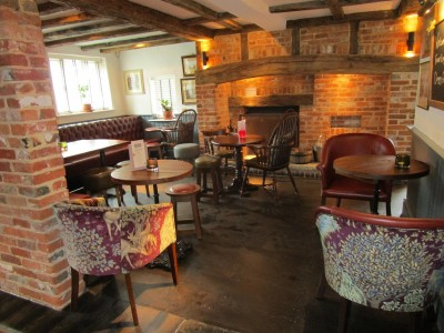 A27 Fontwell dog-friendly pub, West Sussex - Driving with Dogs