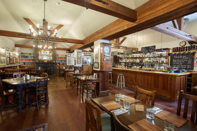 A4 dog friendly pub near Maidenhead, Berkshire - Driving with Dogs