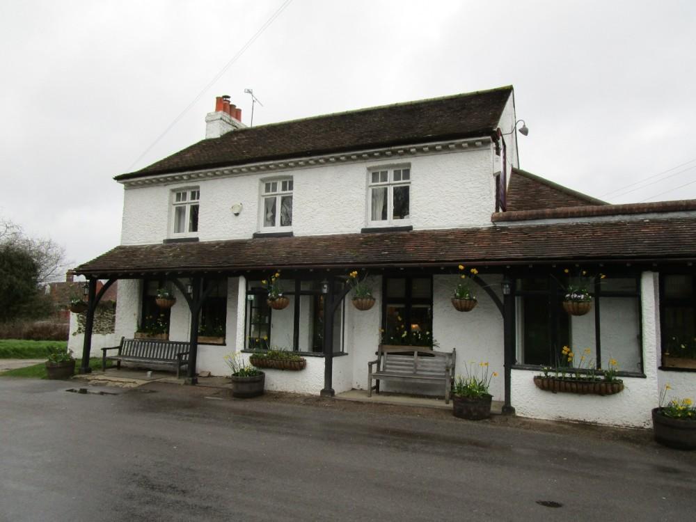 Limpsfield Chart dog-friendly pub and dog walk, Surrey - Surrey dog-friendly pub and dog walk.JPG