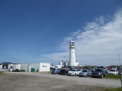 A165 Lighthouse, clifftop path and telescope, East Yorkshire - Driving with Dogs