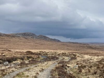 Walk above Loch Meadie into the Flow Country, Scotland - Driving with Dogs