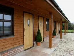 M40 Junction 5 dog-friendly cafe/country pub and dog walk, Buckinghamshire - Driving with Dogs