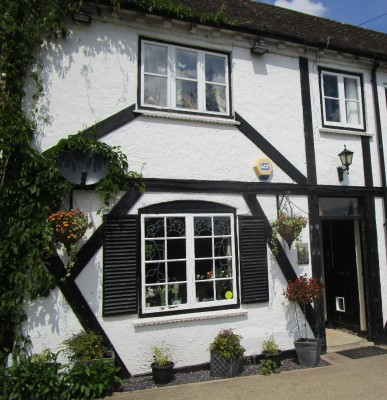 A449 dog-friendly pub near Worcester, Worcestershire - Driving with Dogs