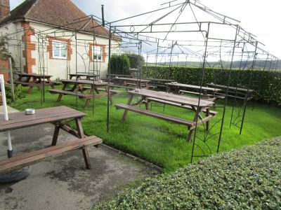 A420 dog-friendly pub near Wantage, Oxfordshire - Driving with Dogs