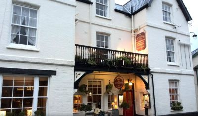 A39 Dog-friendly hotel and refreshments, Somerset - Driving with Dogs