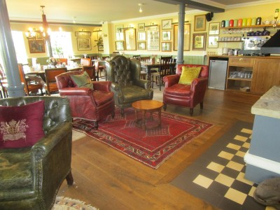 M40 Jct 11 Dog-friendly dining and dog walk near Banbury, Oxfordshire - Driving with Dogs