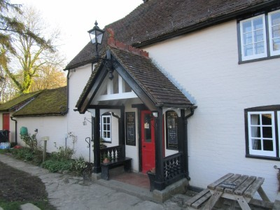 A29 dog-friendly pub and dog walk near Cranleigh, Surrey - Driving with Dogs