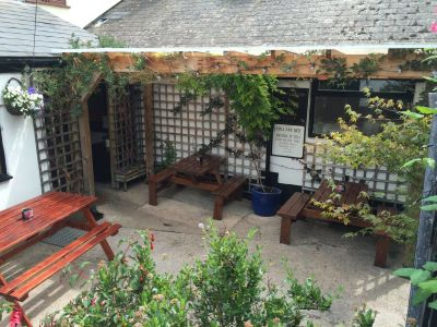 A39 dog-friendly pub and seaside dog walk, Somerset - Driving with Dogs