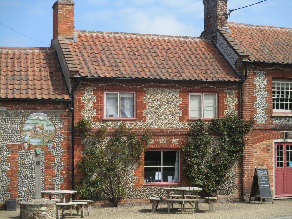 A149 family and dog-friendly pub near Wells, Norfolk - Dog-friendly pub near Wells Next the Sea